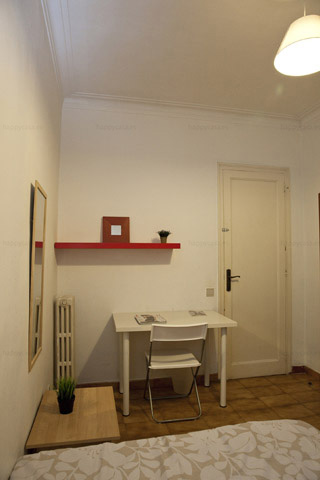 Compartir piso estudiante cama doble Barcelona L3 Lesseps
