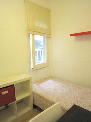 Barcelona habitación joven barata cama individual Happycasa