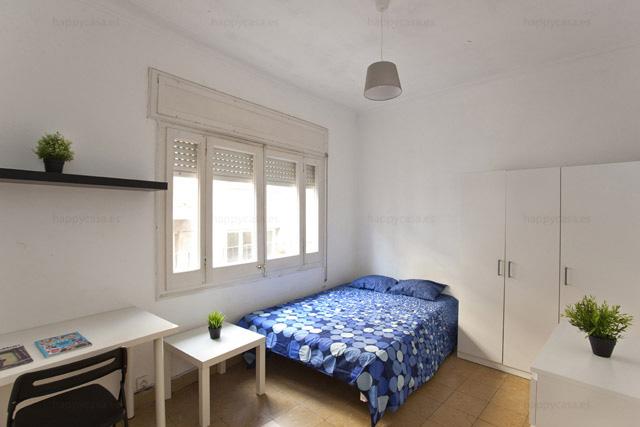 Pisos compartidos estudiantes Barcelona con cama doble ALT