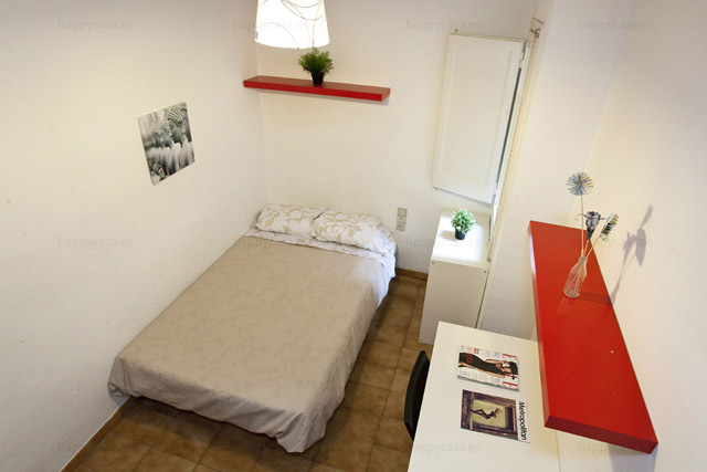 Barcelona habitación joven buen rollo barrio Grácia