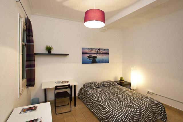 Departamento estudiantes Barcelona con cama doble