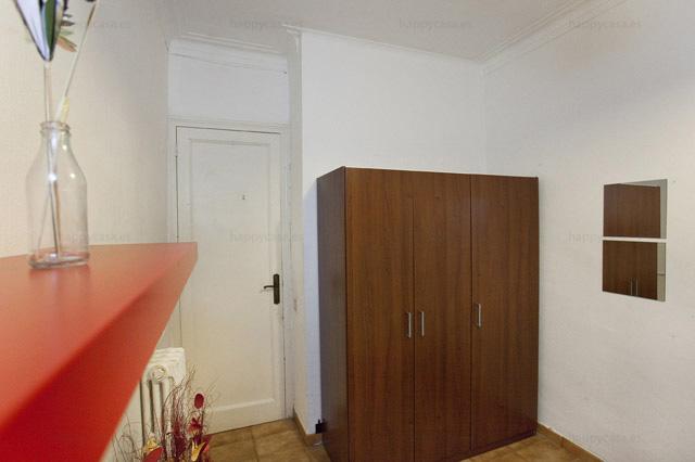 Busco habitación Barcelona con estudiantes erasmus L3