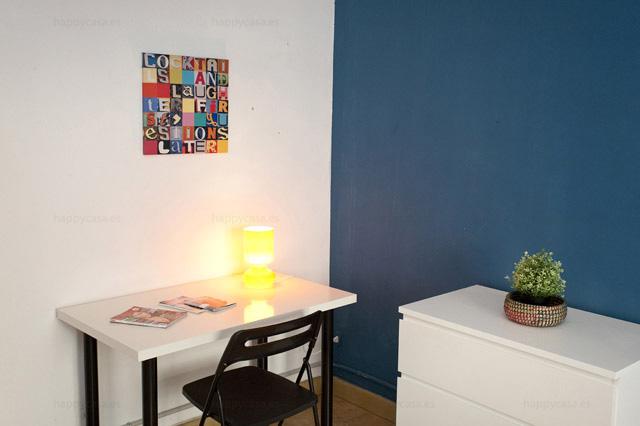 Lloguer habitación Barcelona cama doble luminosa metro Lesseps ALT