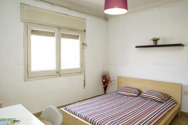 Dormitorio cómodo luminoso barato Barcelona Happycasa