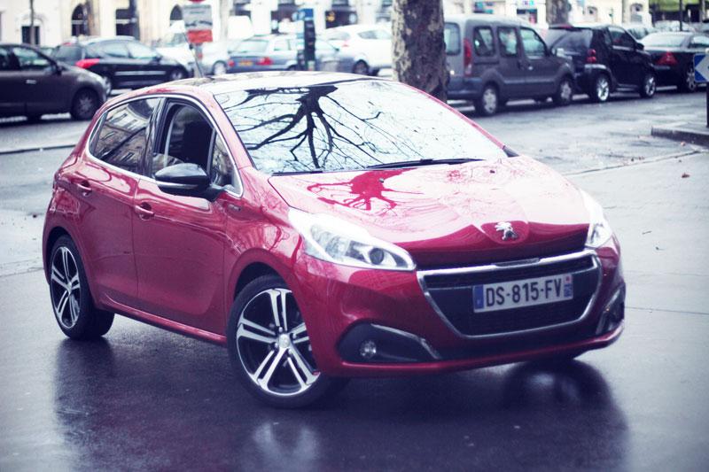 Peugeot-208GT-06