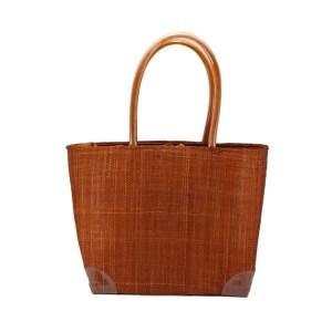 Ψάθινη τσάντα για τη θάλασσα, με φόδρα και τσέπες για μικροαντικείμενα, κατασκευασμένη από ψάθα Μαδαγασκάρης.