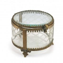 boite en verre et metal finition antique modele rond