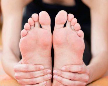 morton's neuroma stretch foot on yoga mat