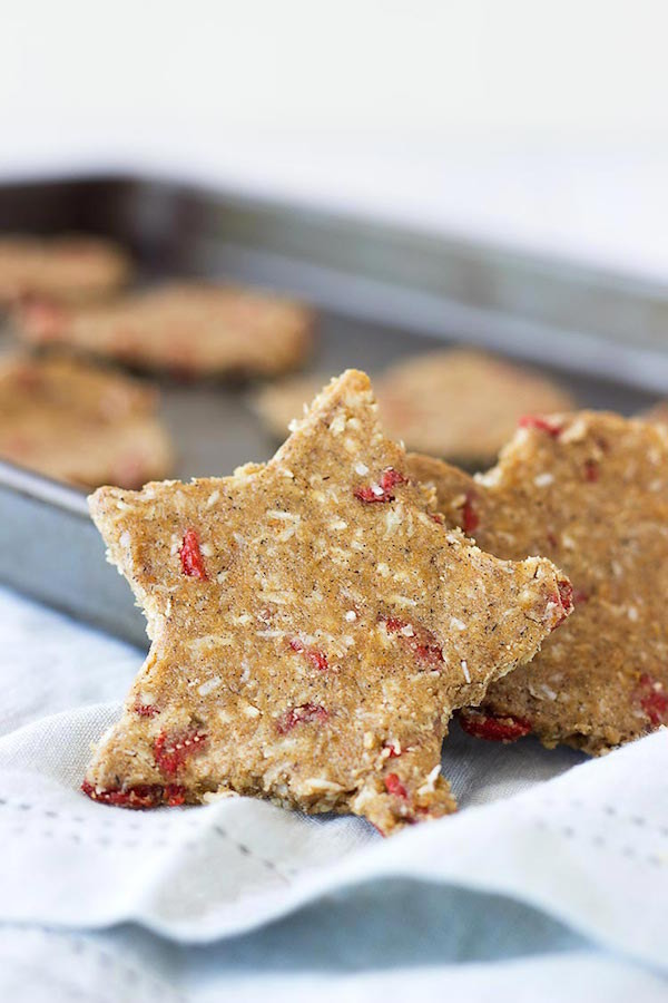 raw coconut and goji berry cookie