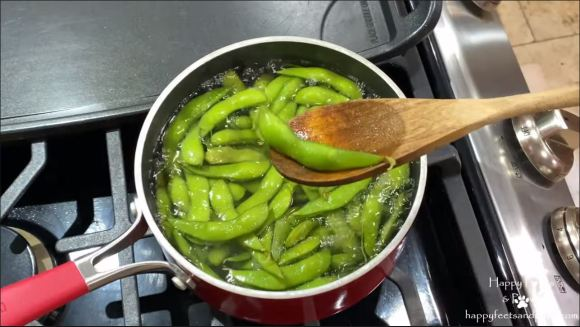 edamame being cooked