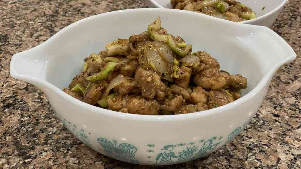 Black pepper chicken in a bowl