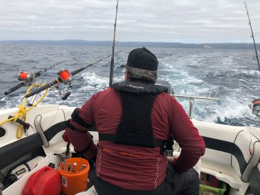 fishing-apollo-bay-happy-fisherman