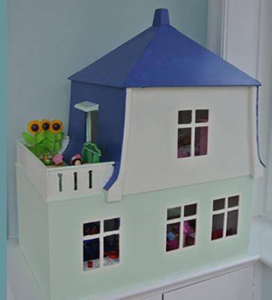 Puppenhaus selbst renoviert in blau grün DIY