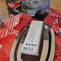 Der perfekte Jungs Geburtstagskuchen in Form einer Nintendo Wii U Fernbedienung . Der ultimative Marmorkuchen mit Fondant.