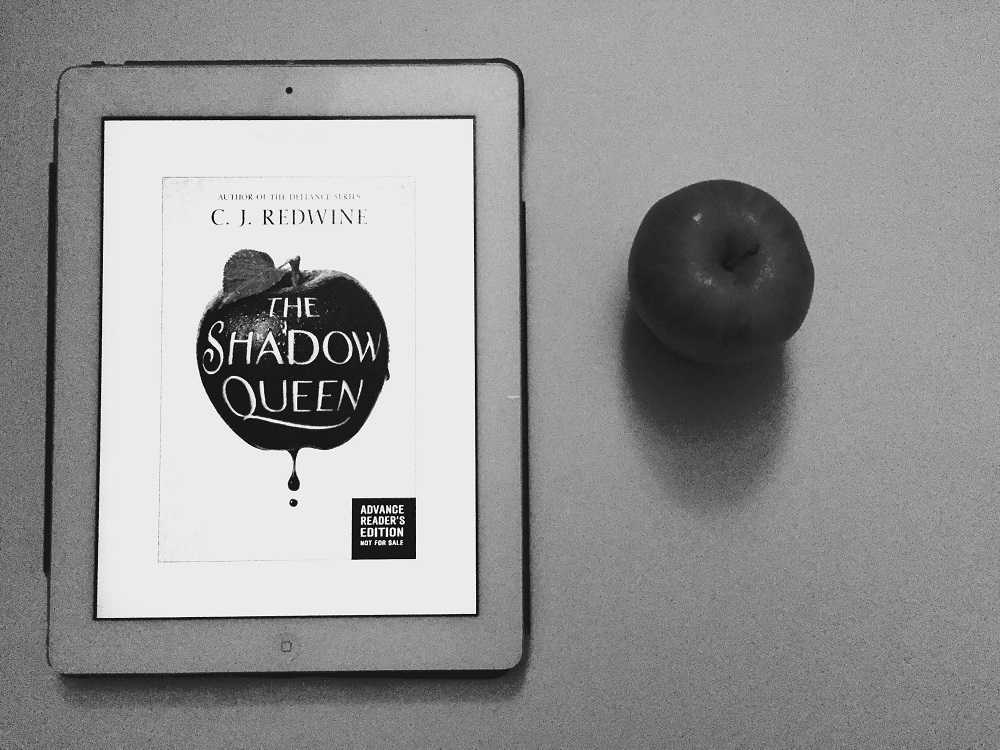 The Shadow Queen by CJ Redwine Review: Let's Start A Petition To Ban All Apples
