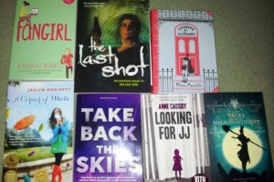 Stacking the Shelves #22 – FANGIRL Showered in Books
