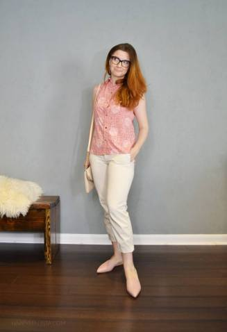 summer capsule wardrobe challenge. pink print and cream capris