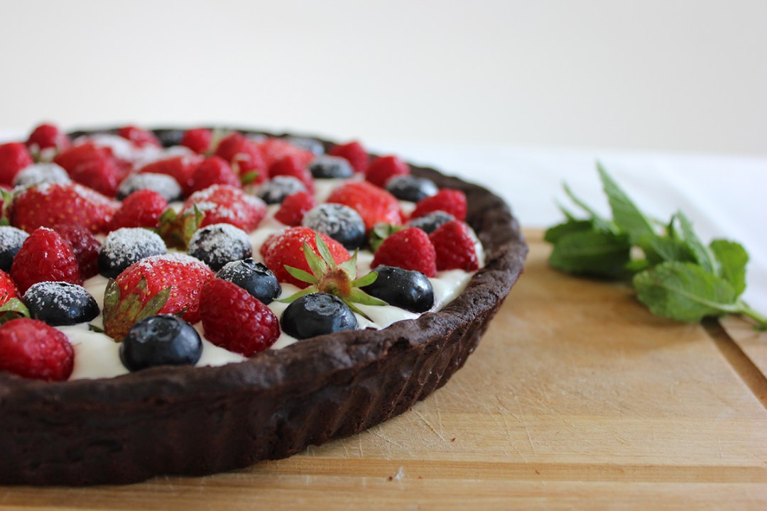 Food-tarte-chantilly-fruits-rouges-copyright-happynewgreen-4