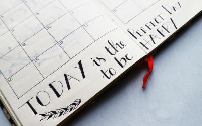 Et si tu créais ton propre calendrier éditorial ? Avantages, étapes, conseils