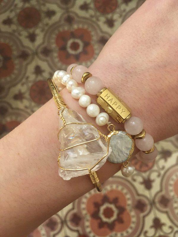 bracelet jonc bijoux bijou pierre semi précieuse lithothérapie pouvoir des pierres cristal de roche quartz rose améthyste tourmaline sorcière puissance bien être grigri