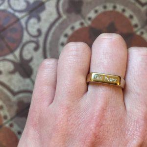 bague chevalière alliance bijou bijoux gravé gravure personnaliser girl power féministe lyon happy sisyphe boutique bijouterie concept store bar à