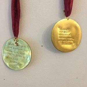 Médaille L'apothicaire des souvenirs Happy Sisyphe Boutique Lyon