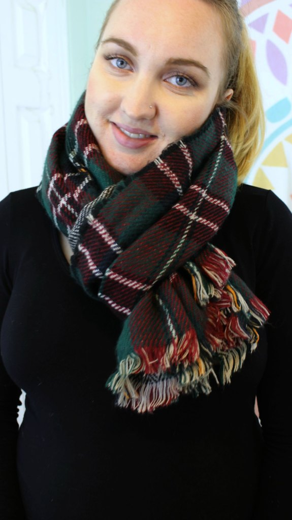 10 ways to wear a blanket scarf. Video tutorial included.