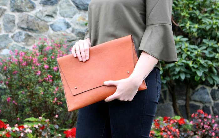 My Purse Connection showcases beautiful purses made by emerging and independent handbag designers. Click to find out more and see how to style a tan clutch.