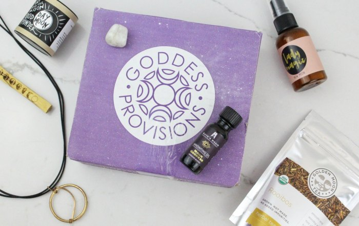 Check out the unique items packed in the Goddess Provisions subscription box, a unique new age style subscription service featuring aromatherapy, jewellery, tea, snacks, and more.