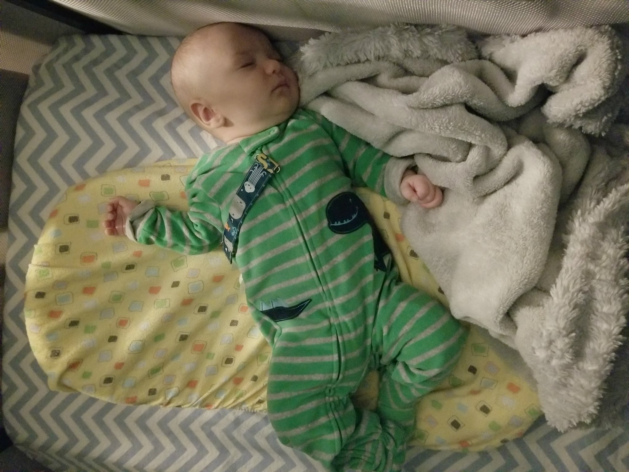 Learn about our experience dealing with sleep over the first 3 months of motherhood, plus tips for getting your baby to sleep!