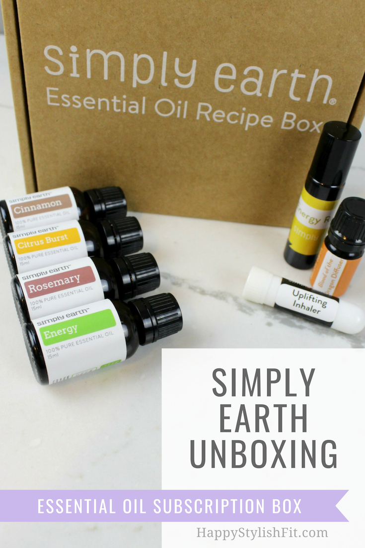 Simply Earth unboxing. A monthly essential oil subscription box that contains 6 DIY recipes.