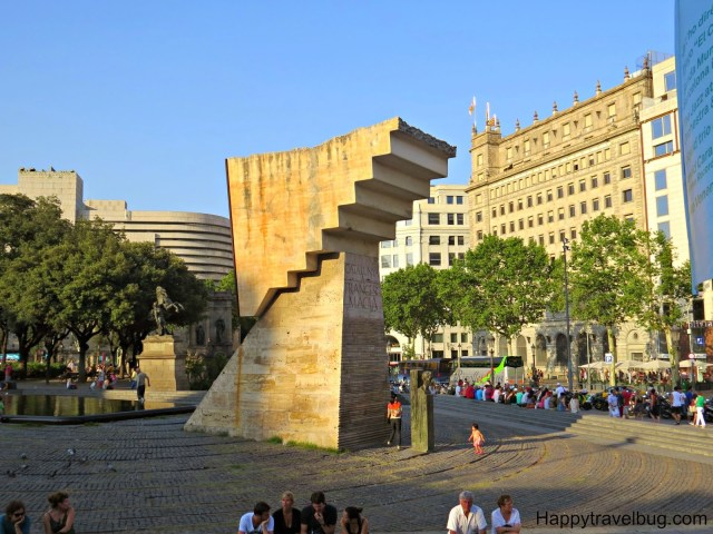 Sculpture in Catalunya Plaza, Barcelona, Spain