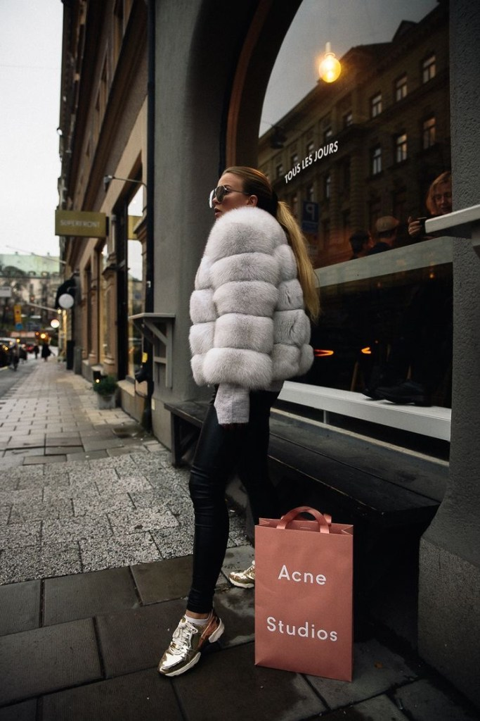 outfit invierno 2020 look invierno - abrigo de piel