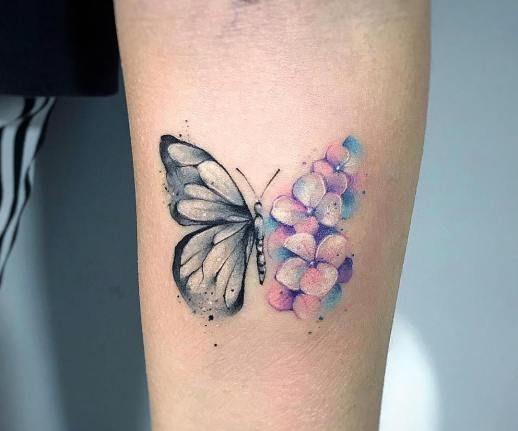 Diseños de tatuajes de mariposa hermosos y de moda para mujeres