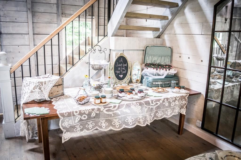 hardy-farm-maine-wedding-barn2