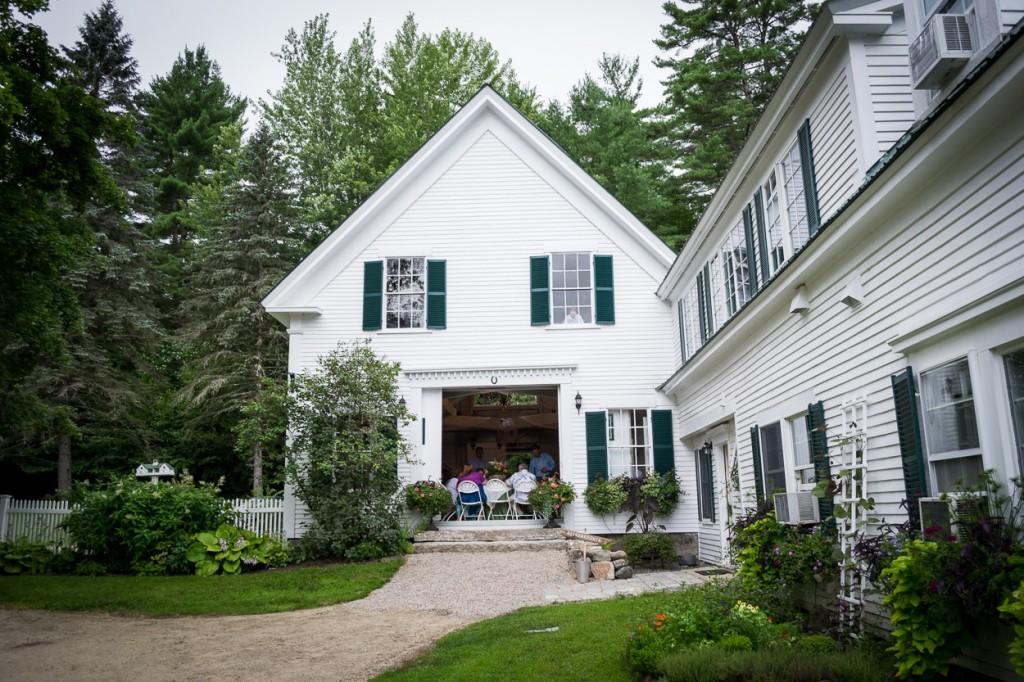 hardy-farm-maine-wedding-barnoutside