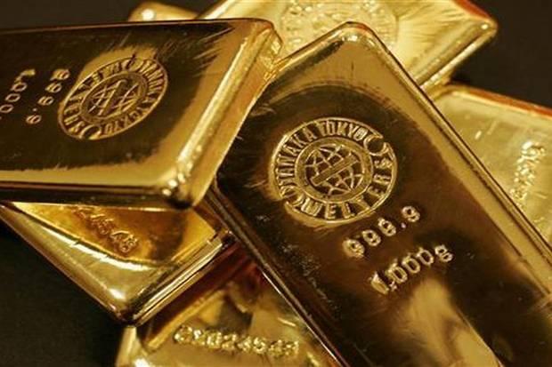 Emas dunia stabil harga emas Antam turun