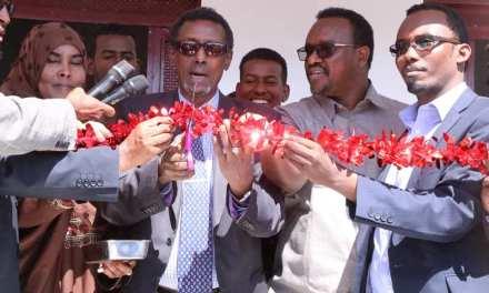 Wasiirka Horumarinta Caafimaadka Somaliland Oo Xadhiga Ka Jaray Xarun Caafimaad oo Ay Wakaaladda Biyaha Hargeysa Ka Dhistay