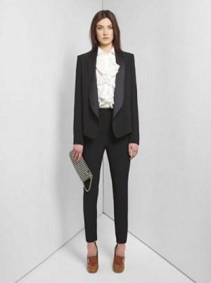 Model Baju Kerja Wanita dengan Blazer Formal