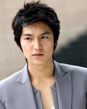 Model Rambut Pria Korea Terbaru yang Cocok untuk Anda