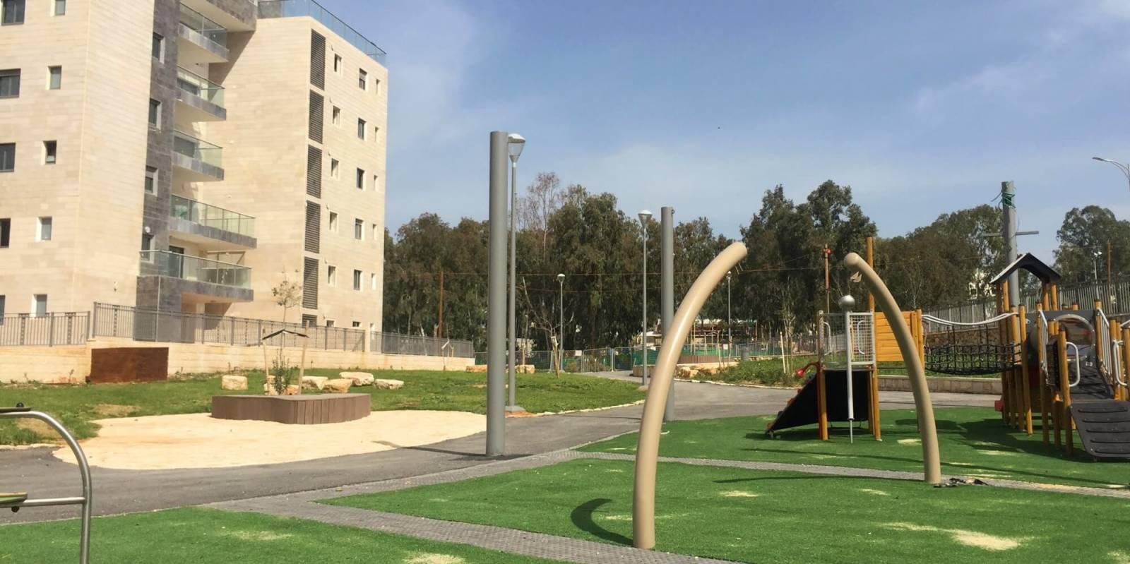 גן ציבורי בחריש בהקמה