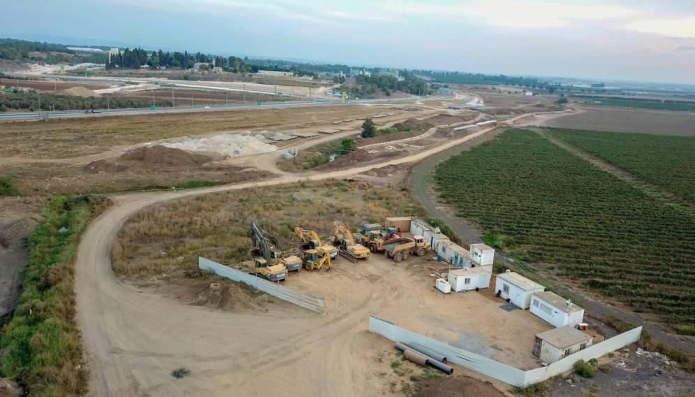 עבודות להקמת המחלף החדש בין חריש לכביש 65