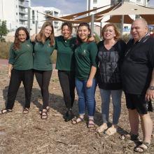 צוות הגינה הקהילתית בחריש