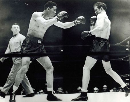 Louis against Billy Conn Harlem