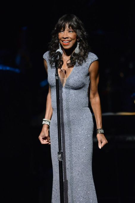 Natalie Cole performs at Apollo 80th anniversary celebration_Courtesy of  Shahar Azran Photography