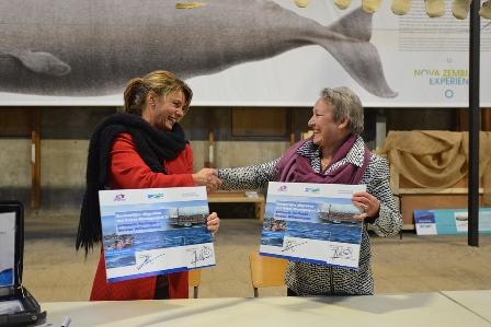 Maria le Roy tekent bestuursovereenkomst Willemshaven