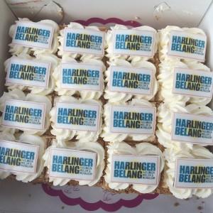 hb-harlinger-belang-lokaal-partij-gebak-taart-saakstra-jappie-ellema-jan-jubileum-raad