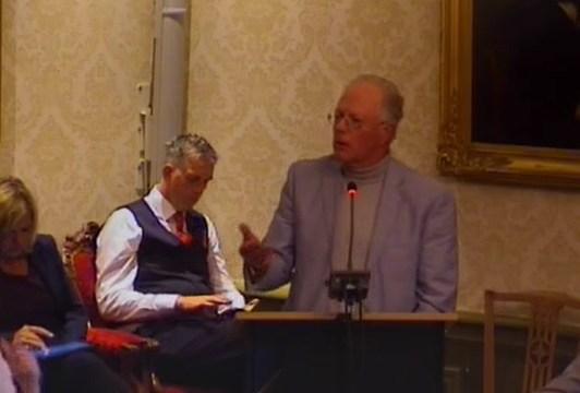 De uitglijder van PvdA wethouder Kuiken en het beton van de VVD