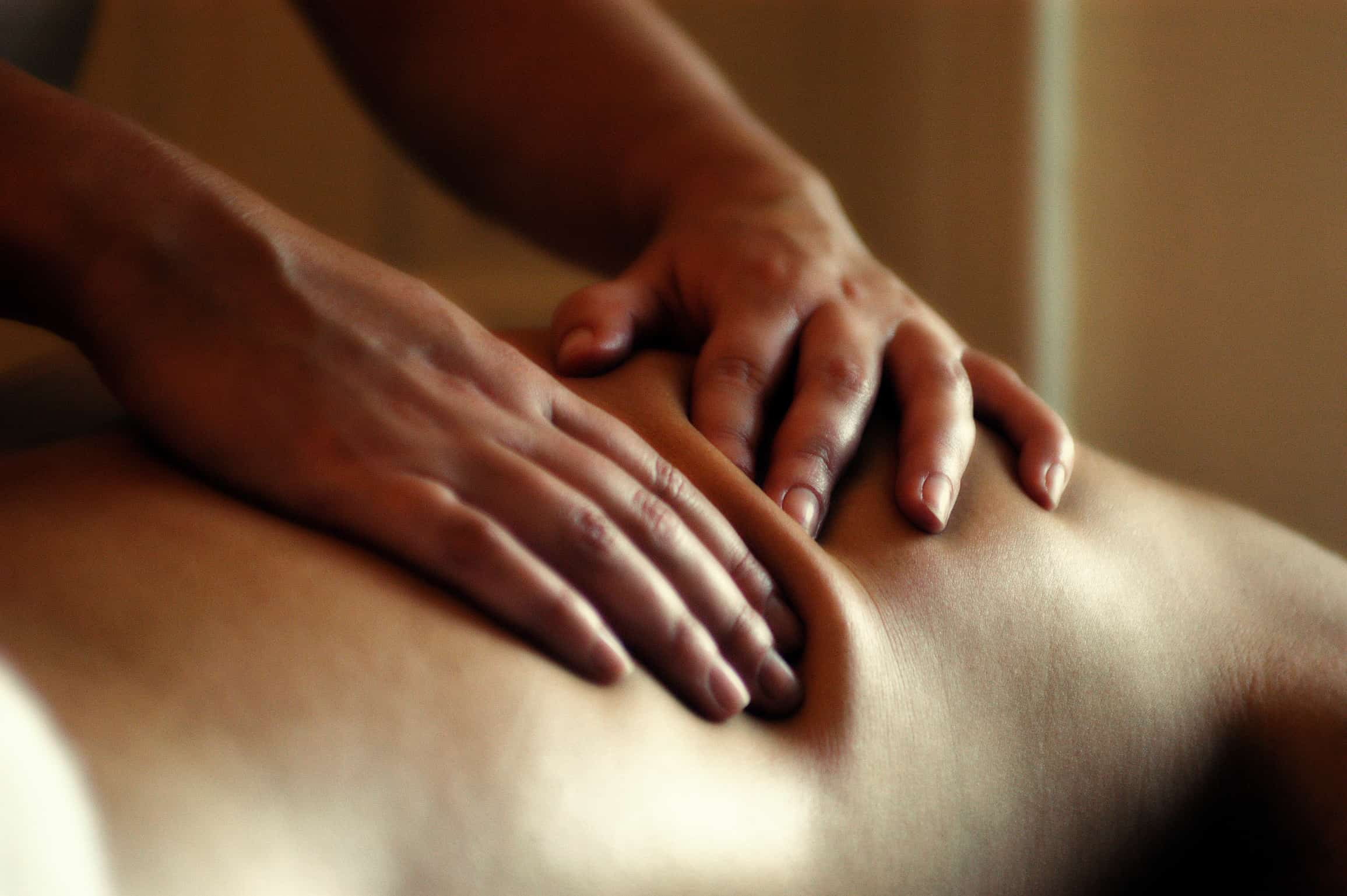 massage with Rachel Hawkes