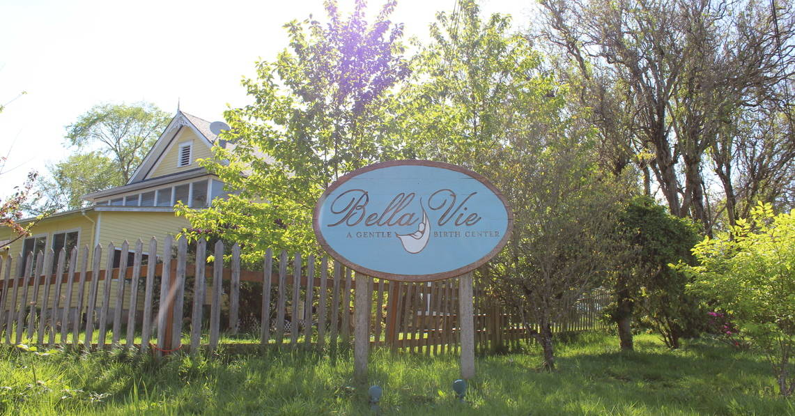 Bella Vie Sign